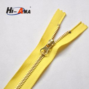 Cooperate with Brand Companies High Quality Rose Gold Zipper pictures & photos