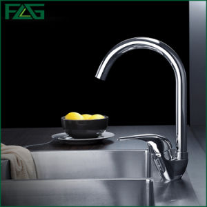 Flg One-Handle Chrome Kitchen/Sanitary Ware Faucet/Tap pictures & photos