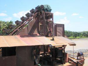 Dredge Depth 8-10meter 150t/H Capacity Gold Dredger