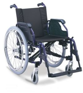 Aluminum Manual Folding Wheelchair pictures & photos