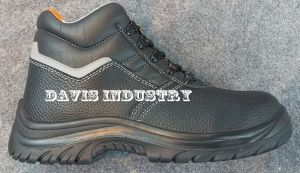 Small MOQ Hot Selling Safety Sports Shoes with High Quality pictures & photos