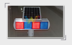 Solar Powered Road Work Blue Red Safety Flashing Light pictures & photos