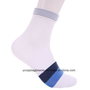 Custom Striped Cotton Women Breathable Bamboo Fiber Socks pictures & photos