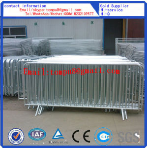Road Safety Galvanized Steel Mobile Barrier with Wheels pictures & photos