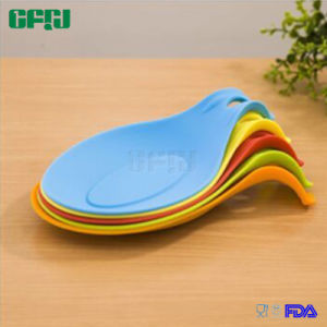 Silicone Kitchen Gadgets Manufacturer Silicone Rest Mat for Resting Cutlery pictures & photos