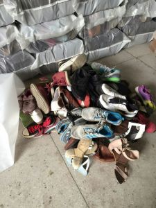 Used Shoes, Second Hand Shoes in Premium Grade AAA Quality with Brand Big Size Man Sports Used Shoes pictures & photos