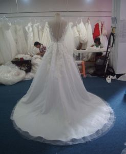 One-Shoulder Organza Sweetheart Wedding Dress with Bow pictures & photos