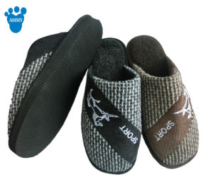 Men Warm Soft Indoor Winter Soft Slipper with Fashion Style pictures & photos