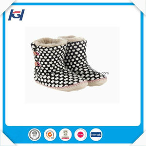 Lady Fashion Knitted Winter Warm Indoor Slipper Boots pictures & photos