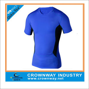 Base Layer Athletic Compression Fashion Gym Shirt for Men pictures & photos