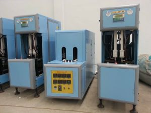 Automatic Semi Auto Blow Molding Machine Extrusion pictures & photos