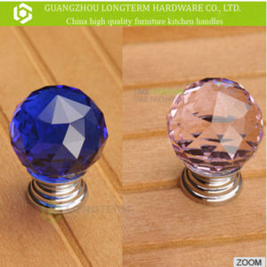 Different Color Brilliant Crystal Bedroom Cabinet Knobs pictures & photos