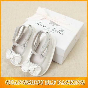 Flat Folding Baby Shoe Gift Cardboard White Gift Box with Lid (BLF-GB548) pictures & photos
