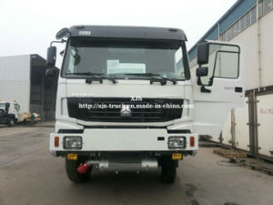Sinotruk 4by4 All Wheel Drive Oil Tank Truck Zz2167m4627A pictures & photos