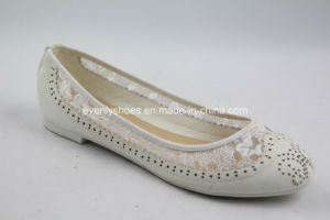 PU+Fabric Upper Lady′s Ballerinas with Embroidery and Pinholes pictures & photos