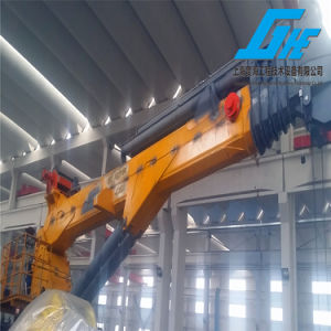Hydraulic Telescopic Ship Deck Crane with Winch pictures & photos