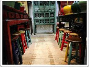 Gorgeous and Original Stool Antique Furniture pictures & photos