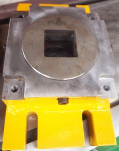 Square Die for Combined Punch and Shear pictures & photos