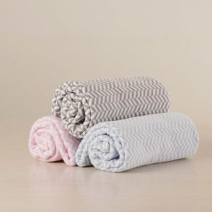 100% Cotton Knitted Reversible Soft Baby Blanket pictures & photos