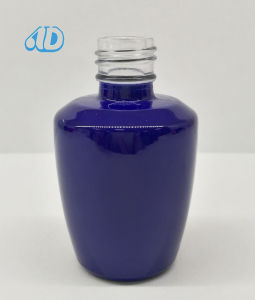 N17 Pet Nail Glass Cosmetic Bottle 10ml pictures & photos