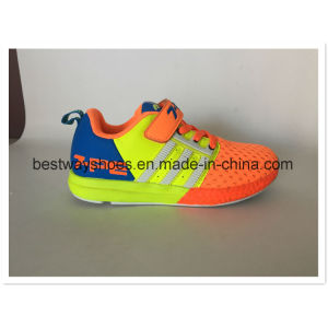 Mesh Fabric Shoes Children Comfortable Sneaker pictures & photos