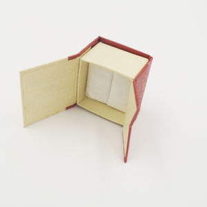 New Design Exquisite OEM Corrugated Velvet Ring Box (J11-A2) pictures & photos