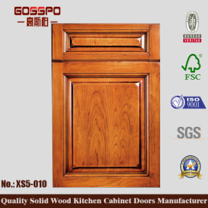 Solid Wood Kitchen Cabinet Swinging Door (GSP5-020) pictures & photos