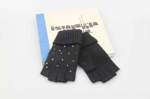 Ladies Knitted Glove, Black Half Finger Glove with Rhinestone, Personalized Winter Glove, pictures & photos