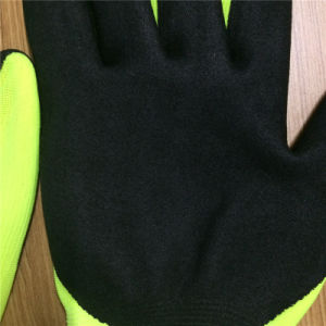 Cut 5 Gloves in 2 Layers with Sandy Nitrile Coating pictures & photos