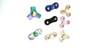 LED Hand Spinner Aluminium Alloy Material Two Leaves pictures & photos