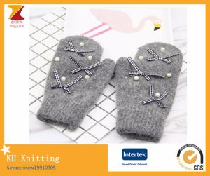 Cony Hair Elegant Winter Gloves pictures & photos