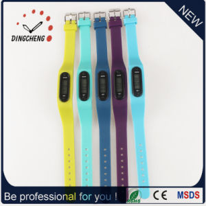 Pedometer Wristwatch Ladies Watch Running Silicone Digital Watches (DC-002) pictures & photos