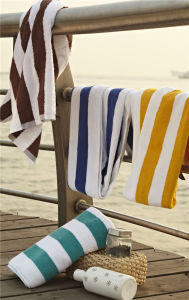 Factory Wholesale Hotel 100 Cotton Blue and White Stripe Swimming Towel Beach Towels pictures & photos