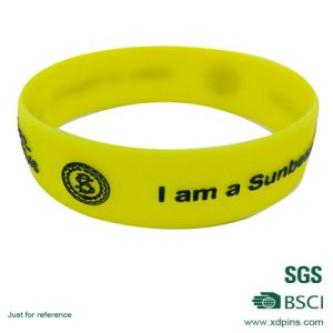 High Quality Infilled Color Custom Silicone Wrist Band with Logo pictures & photos