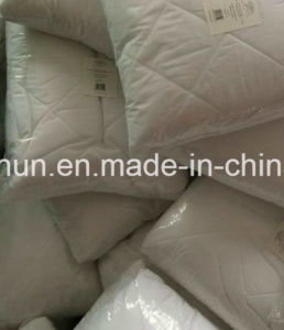 Quilted and Waterproof Fitted Mattress Protector pictures & photos