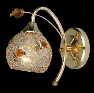 Modern Crystal Wall Lamp in Gold Chrome Color Wall Light pictures & photos