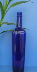 Blue Glass Bottle (750ml) pictures & photos