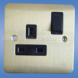 Single Switch Socket( UK Standard) pictures & photos