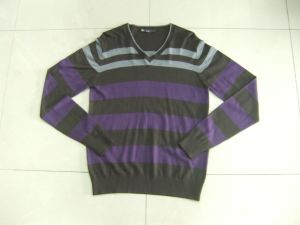 Men′s Uneven Stripe Sweater (SWM080606)
