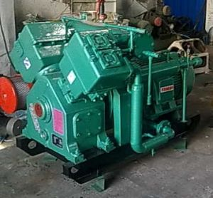 3.0m3/Min 40baroil Free Air Compressor pictures & photos