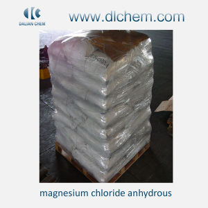 Yellow Flake or White Crystal Magnesium Chloride for Industrial pictures & photos