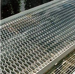 Expanded Steel Mesh Walkway pictures & photos