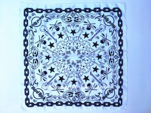 Factory OEM Produce Customized Design Print Paisley Skull Cotton Bandana pictures & photos