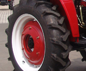 Hot Sale Good Quality Jinma 30HP 2WD Wheel Tractor 300 pictures & photos