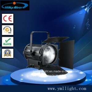 200W Fresnel LED Spotlight Ra>90 for Video Studio Use pictures & photos