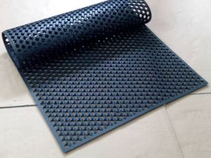Used Grass Drainage Rubber Mats Rubber Hollow Mats pictures & photos