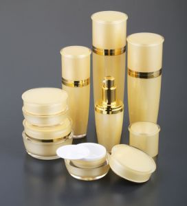 Cosmetic Acrylic Lotion Bottle, Arc Series pictures & photos