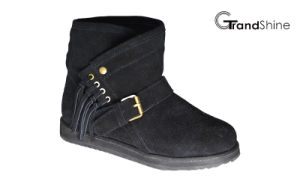 Women′s New Arrival Fashion Suede Snow Boots with Strap pictures & photos