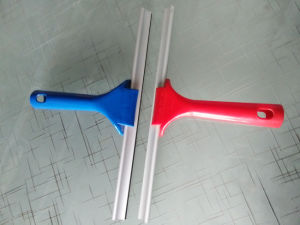Window Squeegee Rubber Blade with Plastic Handle, Cleaner Glass Car Window Squeegee pictures & photos