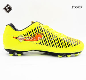 Sports Soccer Shoes for Man with PU Outsole pictures & photos